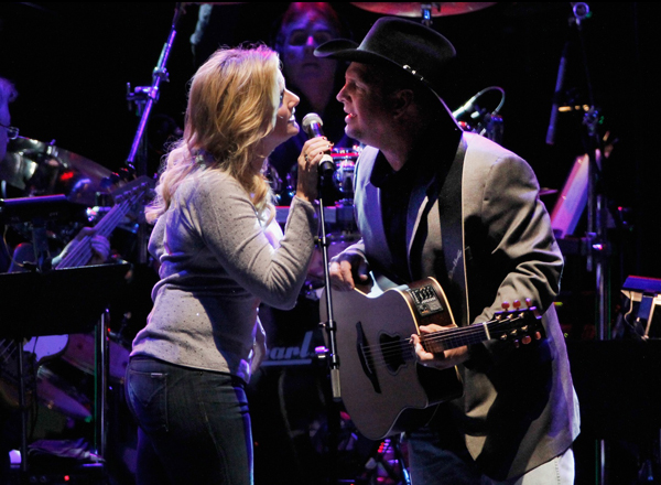 Garth Brooks & Trisha Yearwood at Wells Fargo Arena