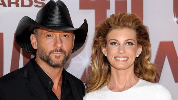 Tim McGraw & Faith Hill at Wells Fargo Arena