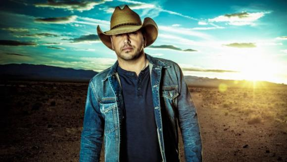 Jason Aldean, Luke Combs & Lauren Alaina at Wells Fargo Arena