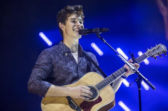 Shawn Mendes at Wells Fargo Arena